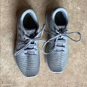 Under Armour Gray Tennis Shoes